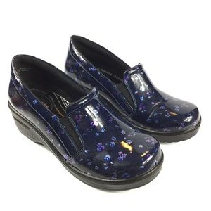 Easy Works Leeza Slip On Clogs Navy Floral Patent